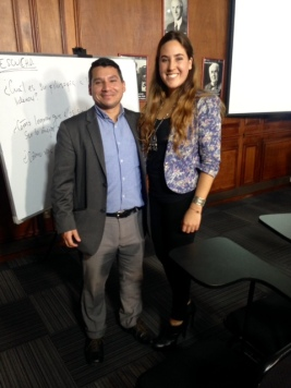 Gonzalo Huanca junto a Camila Baraya Coaching life, en taller de coaching y liderazgo.